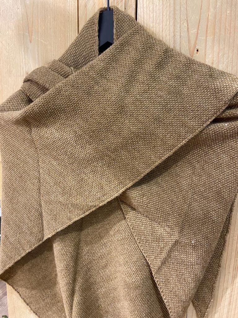 gebreide shawl camel